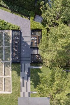 M Ladprao is a condominium by Major Development. Landscape Plaza, Landscape Architecture Design, Landscape Walls, Modern Landscaping, Outdoor Landscaping, Plaza Design, Paving Design, Commercial Design, Water Features