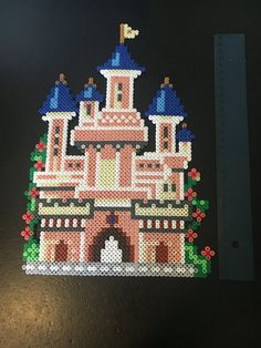 Chateau Princesse Disney, Chateau Disney, Perler Bead Disney, Perler Bead Art, Hama Beads Patterns, Beading Patterns, Crafts To Do, Hobbies And Crafts, Christmas Perler Beads