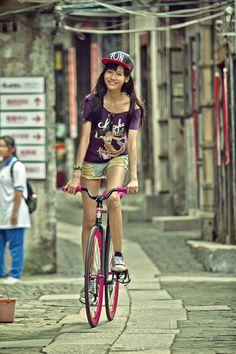 girl, porn, # track bike, # fixed Bicycle Women, Bicycle Girl, Fixed Gear Girl, Cycling Girls, Urban Bike, Cycle Chic, Bike Style, Bicycle Design, Mtb