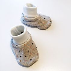 Free pattern baby slippers
