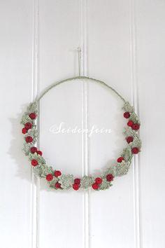 Crochet Home Decor, Holi, Christmas Time, Wreaths, Party, Country Living, Good Day, Advent Season, Flower Crochet