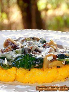 Tarta de mamaliga cu cascaval ras si spanac Romanian Food, Romanian Recipes, Polenta Recipes, Breakfast Casserole, Sushi, Easy Meals, Food And Drink, Cooking Recipes, Vegetarian
