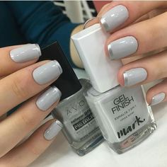 False nails have the advantage of offering a manicure worthy of the most advanced backstage and to hold longer than a simple nail polish. The problem is how to remove them without damaging your nails. Glam Nails, Manicure And Pedicure, Diy Nails, Cute Nails, Pretty Nails, Perfect Nails, Gorgeous Nails, Basic Nails, Instagram Nails