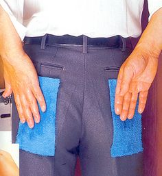 4 weird japanese inventions that actually exist- Chindogu-Napkin-Pants! Worst Inventions, Useless Inventions, Japanese Inventions, Amazing Inventions, Ed Design, The Next Big Thing, Bizarre, Design Thinking, Latest Video