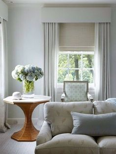 Calm traditional living room in a neutral colour palette. Full length curtains a 2019 Calm traditional living room in a neutral colour palette. Bedroom Curtains With Blinds, Curtains Living, Bedroom Windows, Living Room Windows, Diy Curtains, My Living Room, Living Room Decor, White Curtains, Curtain Pelmet