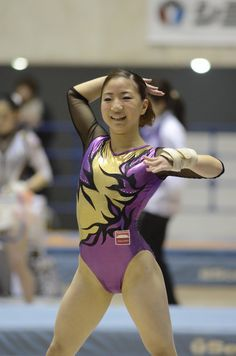 Sport Gymnastics, Artistic Gymnastics, Gymnastics Leotards, Dance Photography Poses, Gymnastics Photography, New Teen, Female Gymnast, Sporty Girls, Girls In Leggings