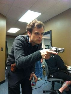 Criminal Minds BTS (Matthew Gray Gubler)
