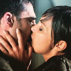 Por fin llegó el momento más esperado: el apasionado reencuentro entre Alberto y Ana en #Velvet ❤️ Los mejores momentos y todas las pistas del final de la serie en antena3.com (link en la bio)