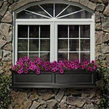 Mayne Fairfield window box - self watering