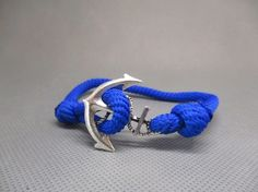 Bracelet paracorde réglable ancre marine.
