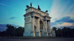 Che spettacolo!  Grazie a Marco Di Benedetto per la foto Dall'Arco della Pace #milanodavedere Milano da Vedere