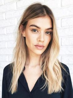 """Word on the Street Is """"Palm Painting"""" Is the New Balayage 
