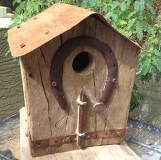 Birdhouse Craft, Rustic Birdhouses, Bird Barn, Project Ideas, Projects, Cozy Cottage, Bird Houses, Wood Art, Recycling
