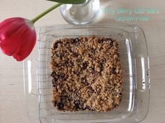 Very Berry Oat Bars: Gluten-Free from TheFitNut #glutenfree #berries #bars #snack #dessert #fruit