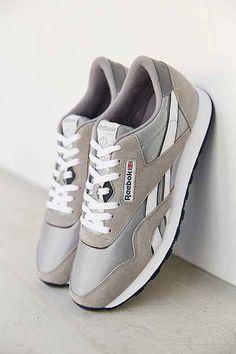 retro silver Nike sneakers http://rstyle.me/n/w5du5r9te