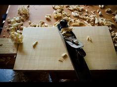 How to Square Rough Lumber with Woodworking Hand Tools {10 Steps} | Wood and Shop