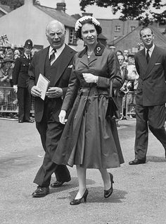 Queen Elizabeth II and Prince Philip, Duke of Edinburgh visiting the Sussex town of Crawley after opening the new Gatwick Airport, June They are escorted by Sir Thomas Bennet, Chairman of. Get premium, high resolution news photos at Getty Images Hm The Queen, Royal Queen, Her Majesty The Queen, Save The Queen, Queen Mary, King Queen, Princess Elizabeth, Princess Margaret, Queen Elizabeth Ii