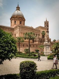 Travel Around The World, Around The Worlds, Weekend City Breaks, Visit Sicily, Sicily Travel, Palermo Sicily, Seaside Towns, Culture Travel, Images Gif