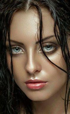 Yoanythings Realistic portrait Awesome Eyes t Most Beautiful Eyes, Gorgeous Eyes, Pretty Eyes, Cool Eyes, Gorgeous Women, Girl Face, Woman Face, Face Hair, Interesting Faces