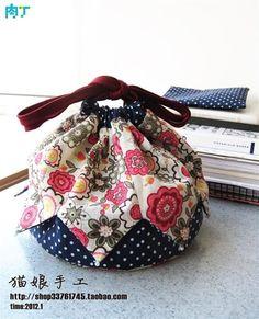手工DIY拼接小裙摆抽绳收纳袋制作过程教程╭★肉丁网