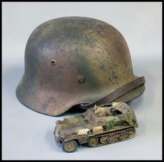 Trying to match the paint on this 1/35 scale model Model Kits, Scale Models, Tanks, Riding Helmets, Camo, Studios, Paint, Accessories, Figurines