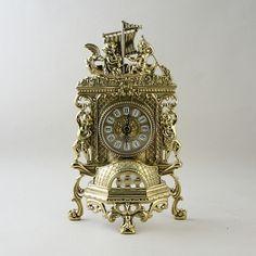Удивительный мир времени заключен в часы-корабль, будет отсчитывать счастливые минуты каждого дня...