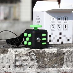 우리에게 Fidget 큐브 장난감 퍼즐 & 매직 큐브 안티 스트레스 미니 사이즈 2.2 센치메터