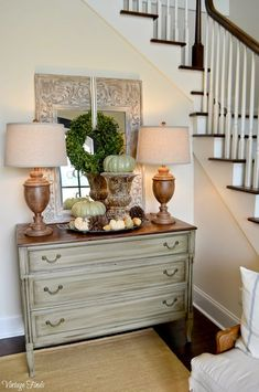 45 Awesome Fall Entryway Decoration Ideas That Will Make Your Neighbors Insanely Jealous – Decorating Foyer Foyer Furniture, Refurbished Furniture, Furniture Makeover, Painted Furniture, Furniture Design, Foyer Decorating, Tuscan Decorating, Decorating Ideas, Decor Ideas