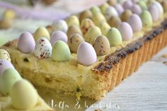 Hella & houkutus: Pääsiäisen passion-rahkapiirakka Easter Recipes, Dessert Recipes, Desserts, Just Eat It, Fodmap Recipes, Pastry Cake, Easter Treats, Something Sweet, Let Them Eat Cake