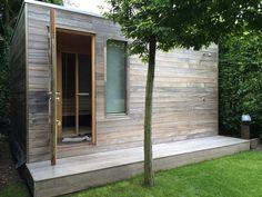 Cubic tuinhuis Model cubic enkel deur is gemaakt van padouk, in dit tuinhuis is een sauna gemaakt. Door de ramen semi-transparant te maken komt...