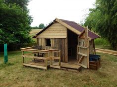 #Pallets: It's amazing what you can make from pallets (Canning pallets house) http://dunway.info/pallets/index.html