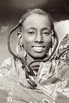 Jeune-fille-du-Nord-Cameroun-Peul-Bororo (685×1024)