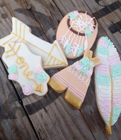 Boho chic cookies. Teepees dream catchers feathers