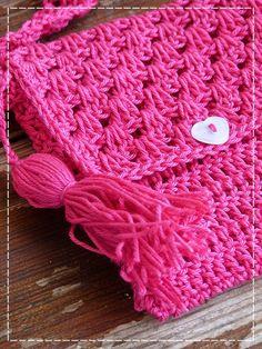 Kouzlo mého domova: Háčkovaná kabelka pro malé slečny Knit Crochet, Crochet Hats, Crochet Purses, New Pins, Kids And Parenting, Purses And Bags, Free Pattern, Diy And Crafts, Crochet Patterns