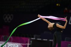 Evgenia Kanaeva Rhythmic Gymnastics Training, Gymnastics Competition, Fitness Fun, Yoga Fitness, Fun Loving, World Of Sports, Stretching, Fun Workouts, Passion