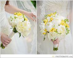 Yellow and White Wedding Flowers