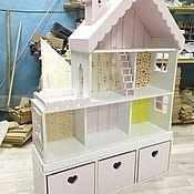 Купить или заказать Кукольный домик стеллаж 6-комнатные апартаменты с террасой в интернет магазине на Ярмарке Мастеров. С доставкой по России и СНГ. Срок изготовления: 2-3 недели. Материалы: мдф, акриловые краски. Размер: 165х120х35
