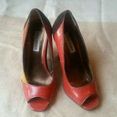 Steve Madden vintage heels Steve Madden peep toe vintage heels. Gently worn . A couple of scuffs, not very noticeable Steve Madden Shoes Heels