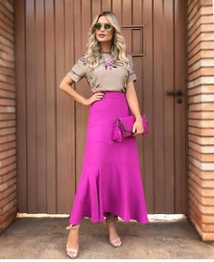 Image may contain: one or more people and people standing Modest Outfits, Skirt Outfits, Modest Fashion, Stylish Outfits, Dress Skirt, Fashion Dresses, Waist Skirt, High Waisted Skirt, Fashion Hair