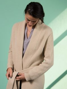 WOLFEN GERMANY long cardigan in honeycomb pattern with a belt. 100% wool