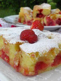 Szybkie ciasto z truskawkami (na maślance) Polish Desserts, Polish Recipes, Baking Recipes, Cake Recipes, Breakfast Menu, Cake Cookies, Sweet Recipes, Cheesecake, Good Food