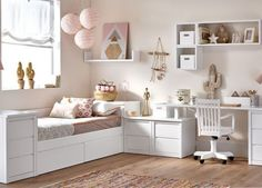 36 Best Daybed Room Design Ideas You Must Have - Daybeds are an excellent choice when it comes to needing a bed that adds character, beauty, and charm to your home without taking up a ton of space. Teen Bedroom Designs, Bedroom Decor For Teen Girls, Childrens Room Decor, Small Room Bedroom, Room Decor Bedroom, Kids Room Design, Home Room Design, Daybed Room, Cute Room Decor