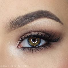 Soft neutral eye using the vice 3 palette from Urban Decay