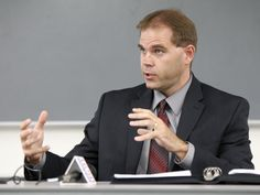 Dr. Andy Pattee was named as new Cedar Falls School superintendent Pattee. He is a Humboldt native and graduated from the University of Northern Iowa in 1998, where he played football.