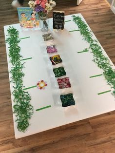 Build A Flower Loose Parts Kindergarten Reggio Preschool Garden, My Favorite, Spring Activities, Kindergarten Activities, Preschool Activities, Preschool Art, Reggio Classroom, Reggio Emilia Preschool, Preschool Garden, Play Based Learning, Early Learning