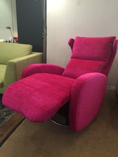 Hot! Pink electric swivel chair.  80 cm wide x 100 cm deep / 150 cm when fully reclined x 108 cm high and very comfortable.  Any fabric or leather!