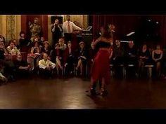 Fado bailado con tango o viceversa