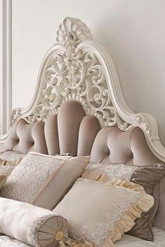 Bismillah Open Order 🙏 How to order and more information: 📱Call/WA/LineID: 082137067547 Ukuran standard tempat tidur : 👉 90 x 200 cm (No. x 200 cm (No. 3 Single Size) x 200 cm (No. 2 Queen Size) x 200 cm (No. 1 King Size) x 200 cm (Super King Size) Luxury Bedroom Design, Bedroom Closet Design, Home Bedroom, Bedroom Decor, Interior Design, Bedroom Ideas, Classic Bedroom Furniture, Painted Bedroom Furniture, Furniture Showroom