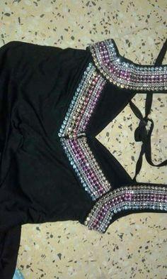 Col Crochet, Abaya Fashion, Kurti, Dj, Neckline, Couture, Boutiques, Model, How To Wear