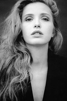 Julie Delpy photographed by Lyu Hanabusa, 1995.